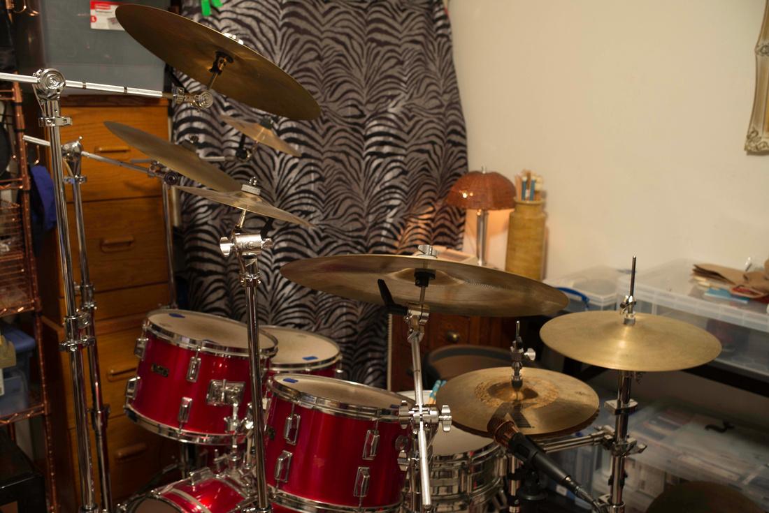 Drumkit From Hell Drum Kit samples ( No Wav Encryption )